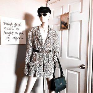 Jackets & Blazers - 🏷Vintage tan cream leaf print lightweight blazer